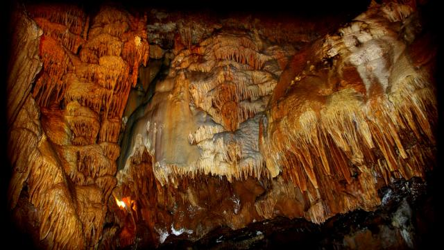 Grottes De Presque 04.jpg