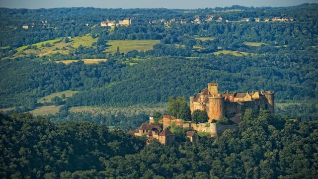 Le Chateau De Castelnau Bretenoux.jpg