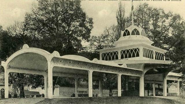 Source Salmiere La Pavillon De La Buvette.jpg
