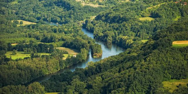 Vallee De La Dordogne Un Meandre.jpg