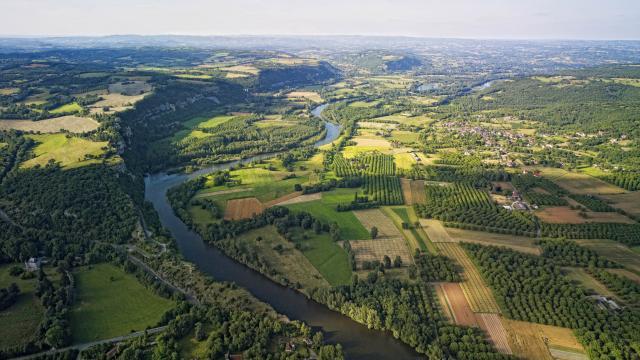 Vallee De La Dordogne Vers Floirac.jpg