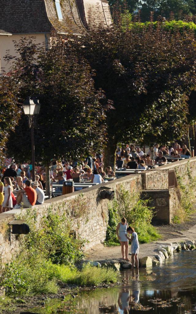 Visites Guidees Bretenoux Quais Malika Turin.jpg