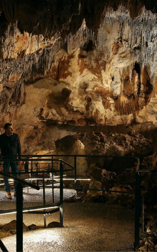 Visite Grotte Carbonnieres 1 0.jpg