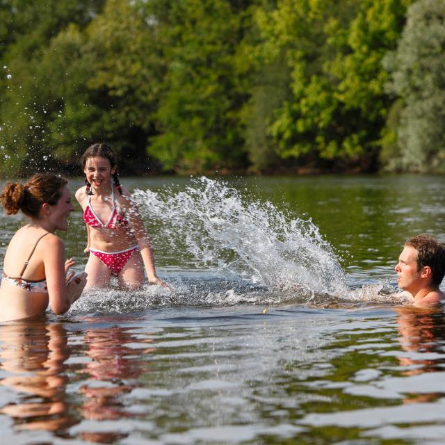 Baignade Dans La Dordogne