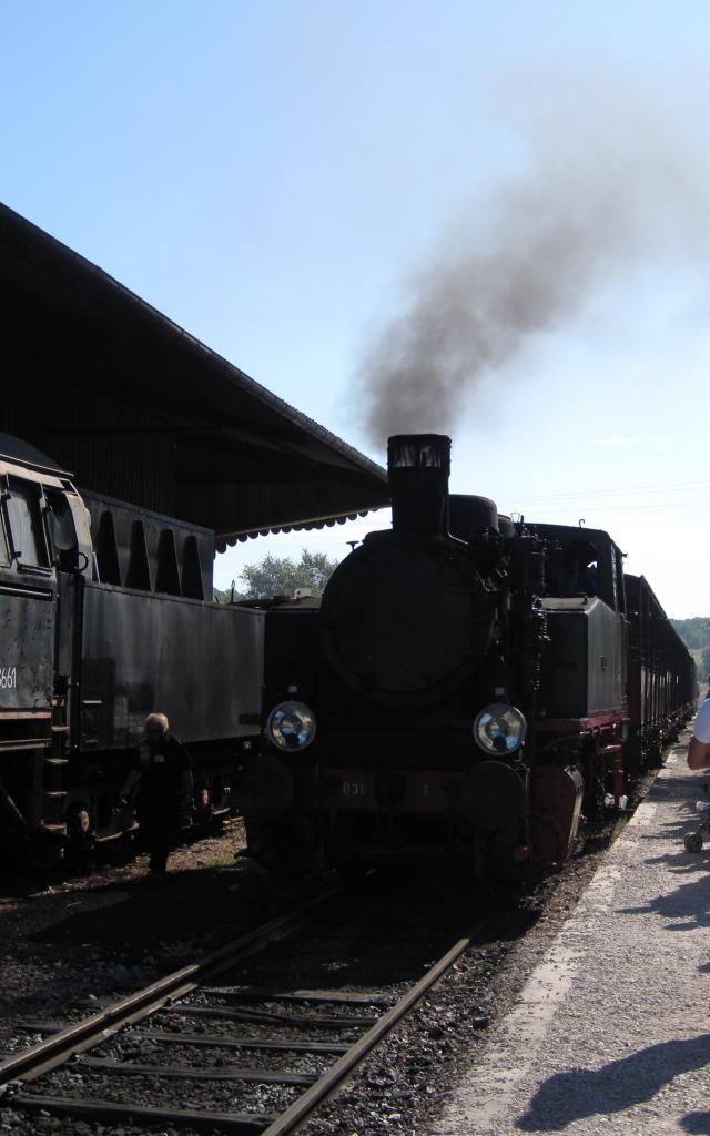 Train 2 1.jpg