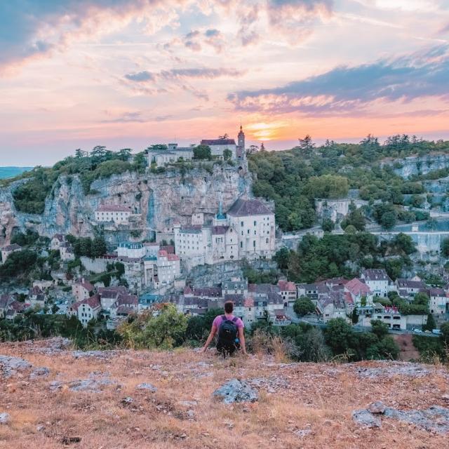 Devant Un Coucher De Soleil à Rocamadour ©lot Tourisme Teddy Verneuil 181102 123900