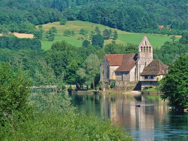 Correze - Beaulieu-sur-Dordogne, la chapelle des Penitents