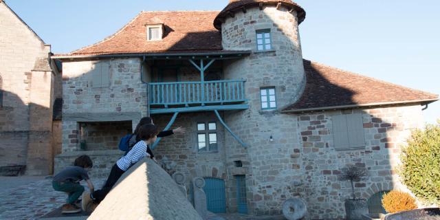 Visites Guidees Curemonte Maison Feix.jpg