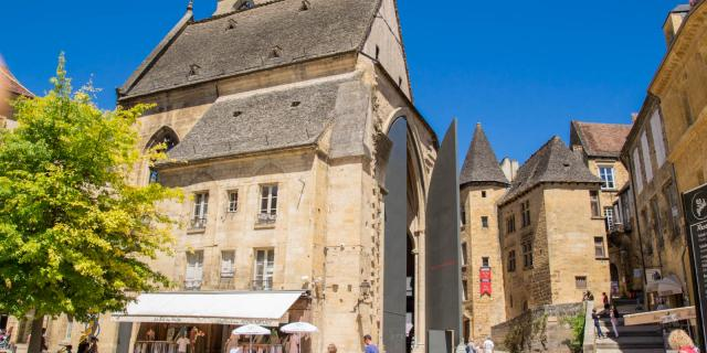 Visites Guidees Sarlat Eglise Ste Marie Elise Viguier.jpg
