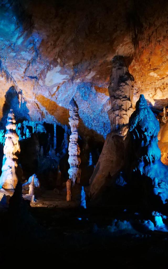 Son et lumière Grotte des Carbonnières
