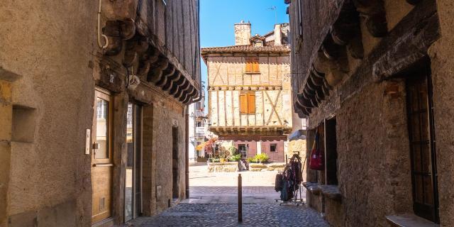 Dans Les Rues De Saint Céré © E. Gerbois Vallée De La Dordogne 19