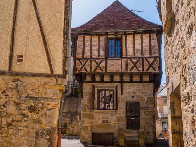 Dans Les Rues De Saint Céré © E. Gerbois Vallée De La Dordogne 34