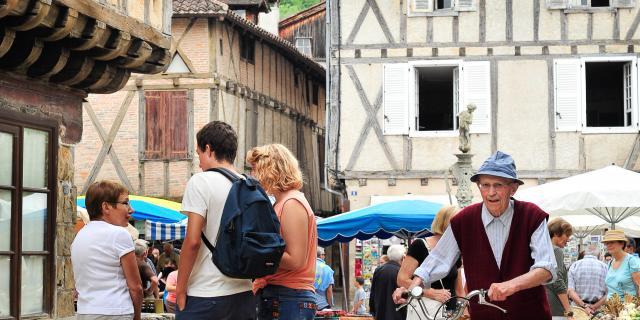 Le Marché De Saint Céré © C. Ory Vallée De La Dordogne