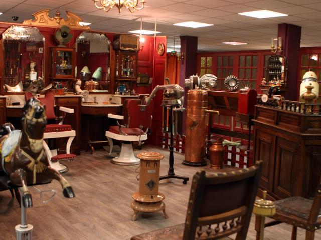 Musée insolite du coiffeur barbier - Gramat