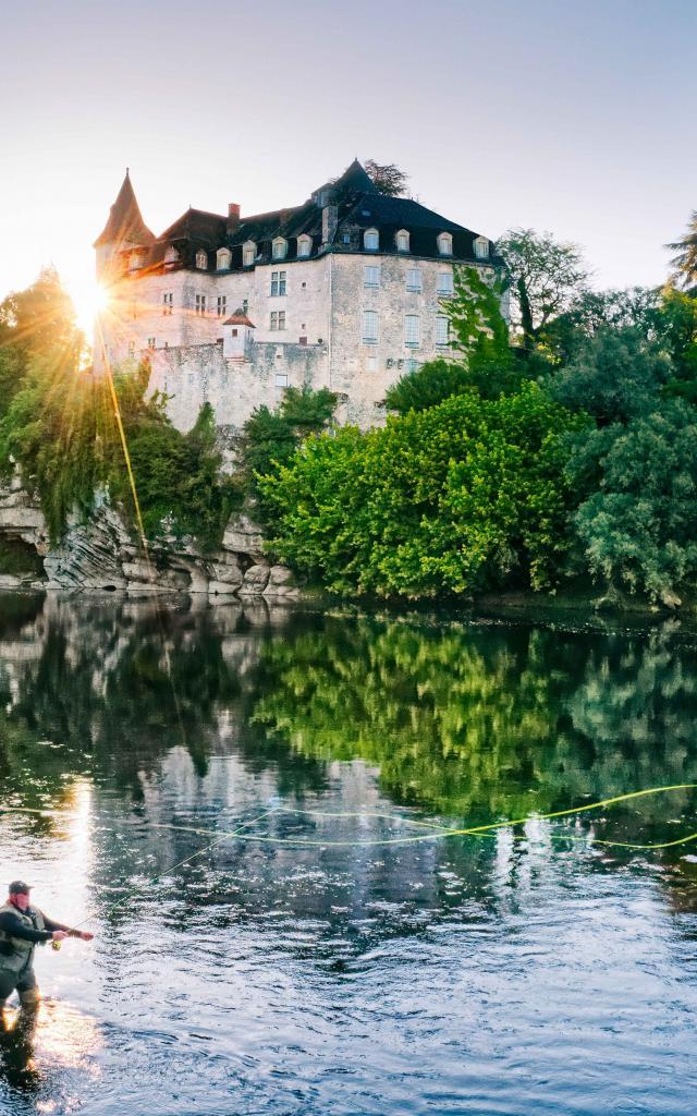 Pêcher Sous Le Chateau De La Treyne