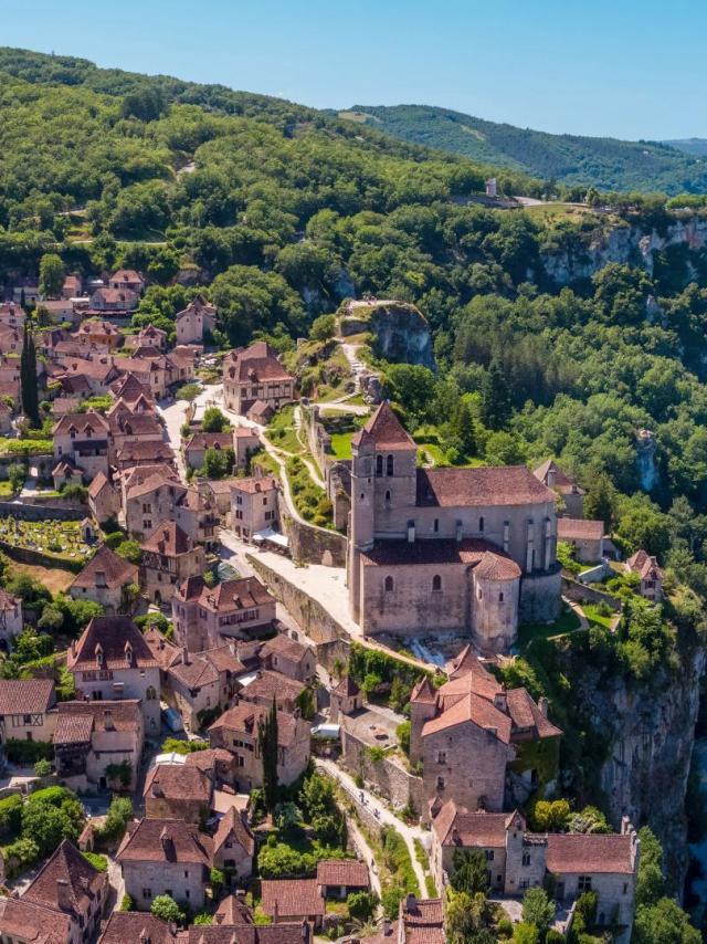 Vue Aérienne de Saint-Cirq-Lapopie - Christophe Bouthe, Agence Vent Dautan