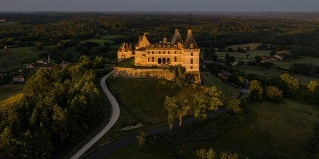 France, Dordogne (24), Périgord Pourpre, Biron, château de Biron, (vue aérienne)//France, Dordogne, Purple Perigord, Biron, Castle of Biron, (aerial view)
