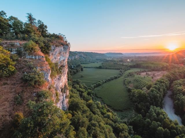 Levé De Soleil Sur La Vallée De La Dordogne Lot Tourisme Teddy Verneuil 191014 151107 2 (1)