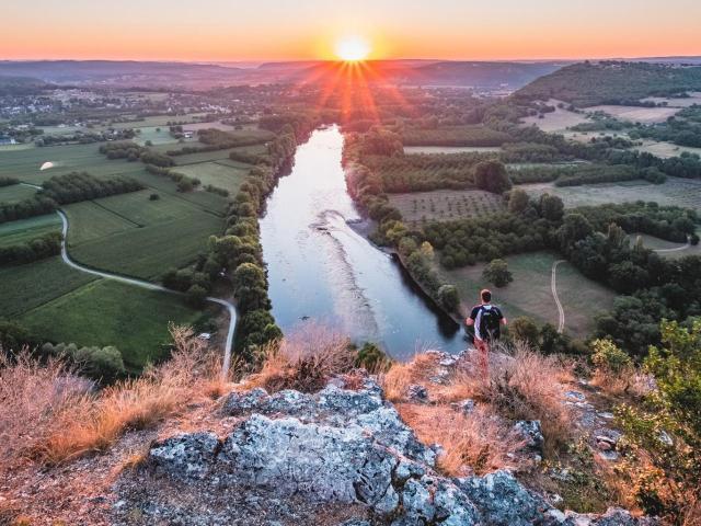 Lever De Soleil Sur La Vallee De La Dordogne Clot Tourisme Teddy Verneuil 1 1920x960 Crop 1615909432