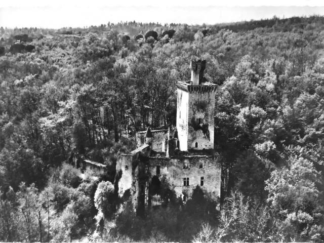 Restauration du château De Commarque