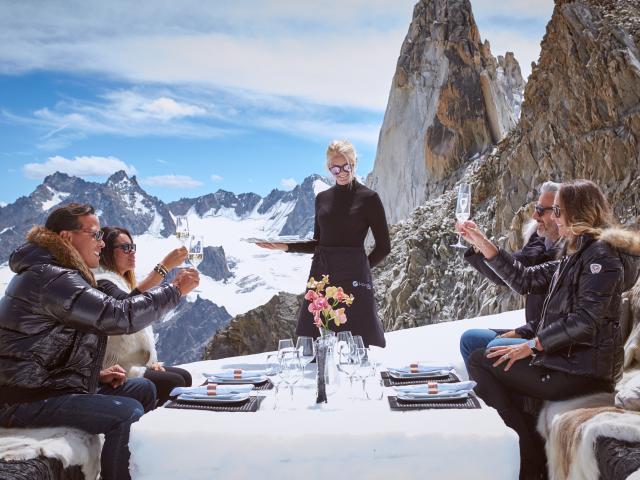 Repas gastronomique en altitude