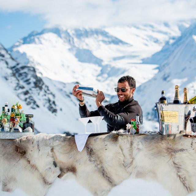 Bar en neige sur les hauts de Verbier