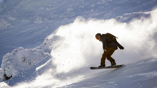 snowboarder-at-turoa.jpg