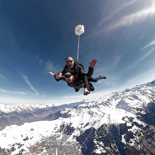 Saut en parachute dans la région de Verbier