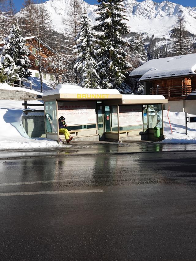 Arrêt de bus - Brunnet