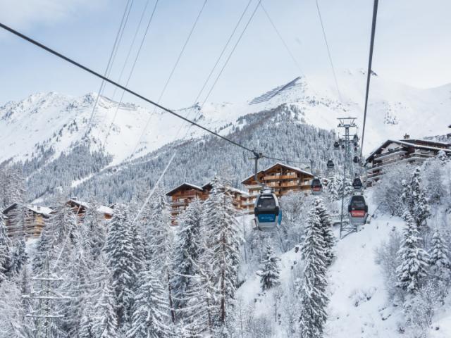 Verbier, neige et ambiance hivernale , télécabines Châble-Verbier
