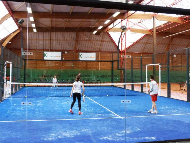 bagnoles-orne-tennis-padel-jeunes-joueurs-2