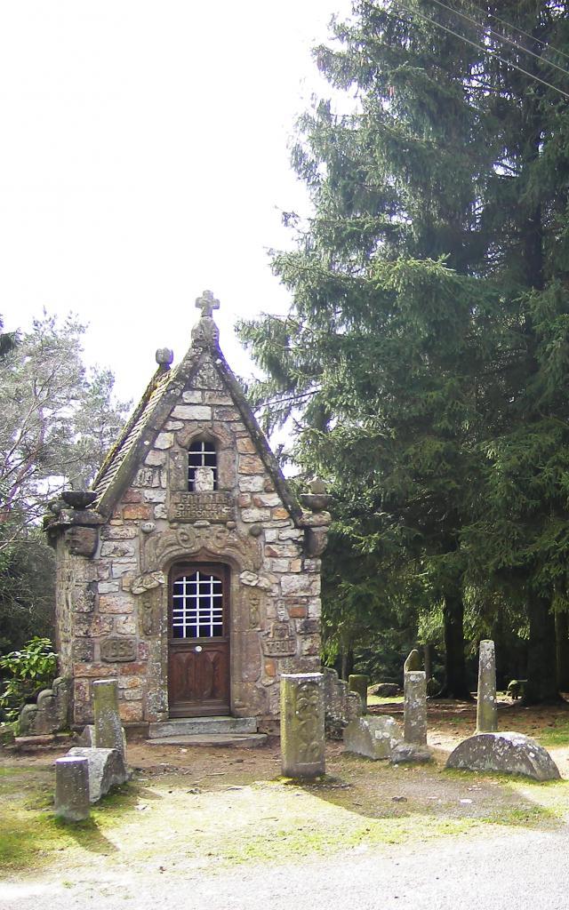 chapelle-sainte-genevieve-face