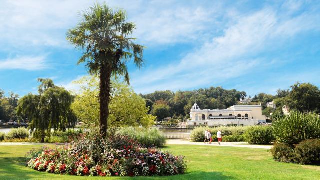 jardins-lac-bagnoles-orne-casino-soleil-2