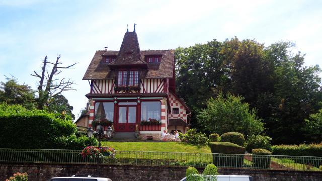 bagnoles-orne-villa-chalet-normand-belle-epoque