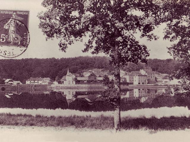 bagnoles-orne-carte-postale-casino-bois-lac-scaled.jpg