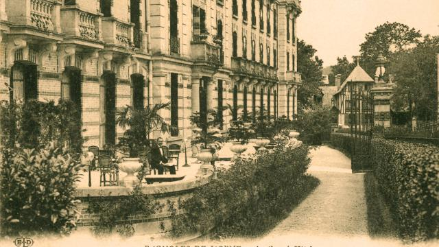 bagnoles-orne-grand-hotel-terrasse-belle-epoque