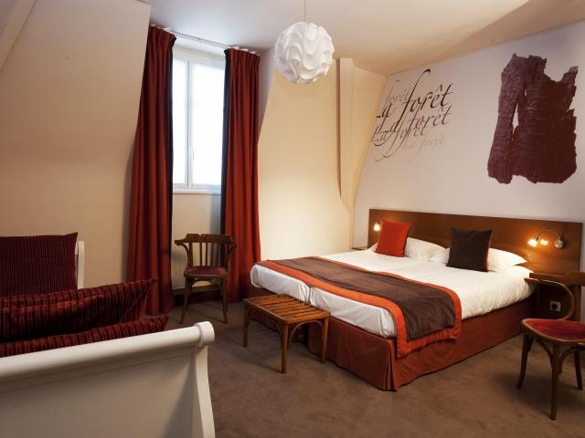 bagnoles-orne-hotel-o-gayot-chambre-scaled.jpg