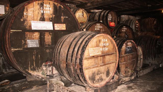 Bagnoles Orne Manoir Durcet Cave Cidre Tonneau Calvados Terroir