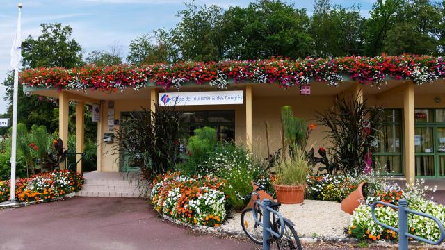bagnoles-orne-office-tourisme-congres-accueil-touristes
