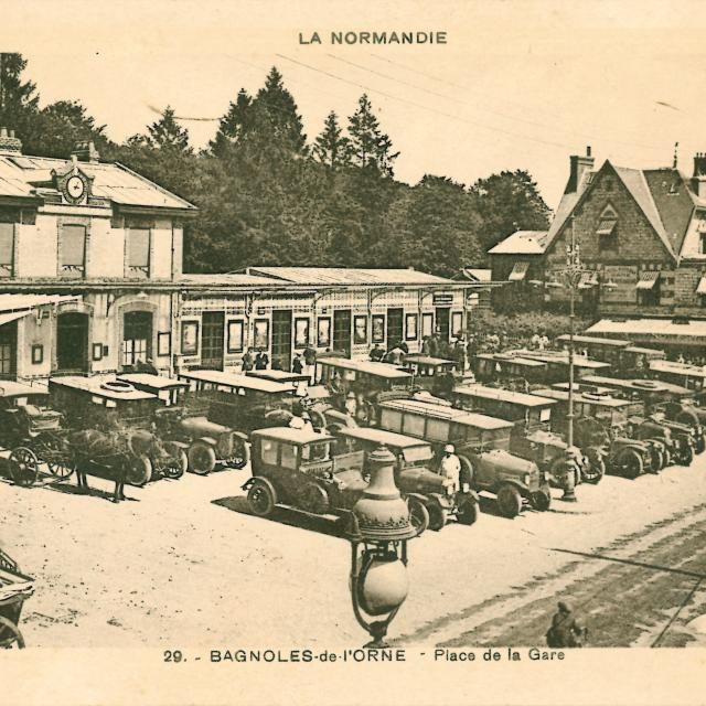 bagnoles-orne-place-gare-taxis