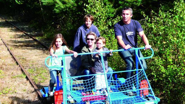 bagnoles-orne-velo-rail-activite-famille