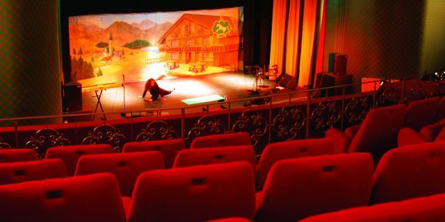 bagnoles-orne-casino-cinema-salle-spectacle-auditorium.jpg