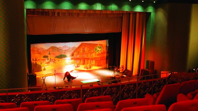 bagnoles-orne-casino-cinema-salle-spectacle-auditorium.jpg
