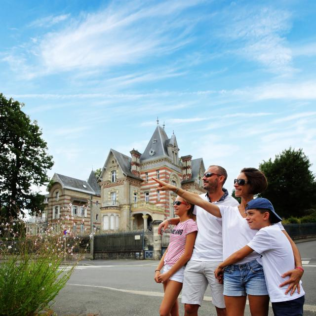 Bagnoles Orne Famille Quartier Belle Epoque Explorateur Decouverte Sourire