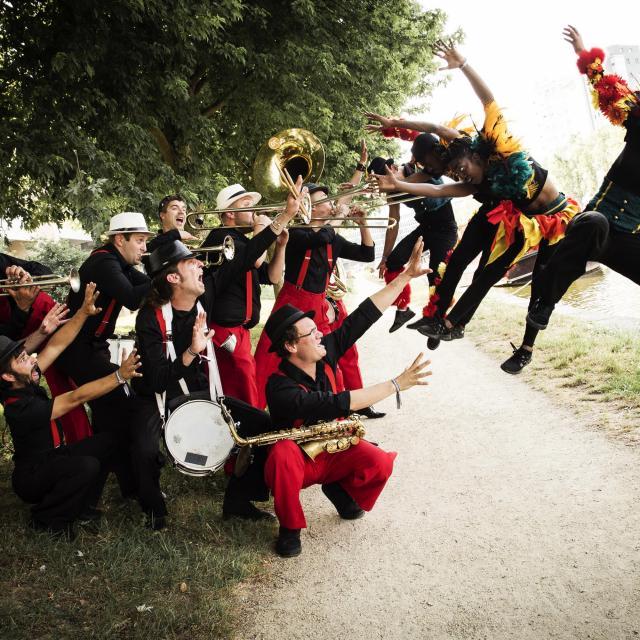 Bagnoles Orne Fanfare Musique Concert Deambulation Spectacle Musique Festival