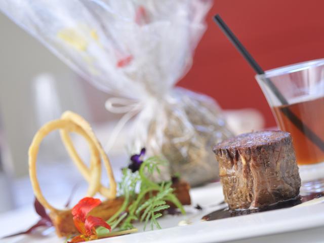 Bagnoles Orne Chef Etoile Cuisine Gastronomie Manoir Lys Quinton Plat Signature Andouille