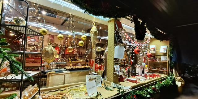 Bagnoles Orne Noel Illuminations Fetes Vitrine Chocolat Casati Lac