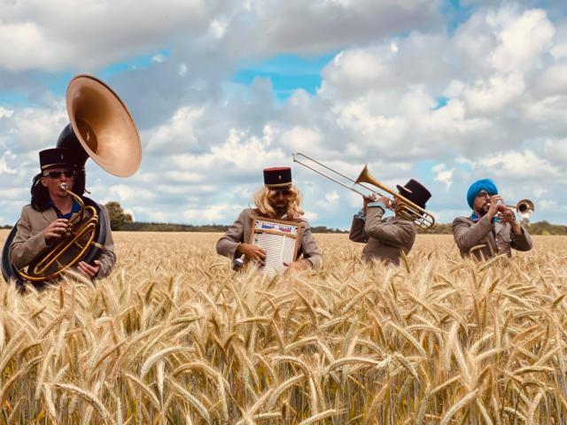 Bagnoles Orne Cle Bagnoles Festival Ete Fanfare Garde Vue Deambulation