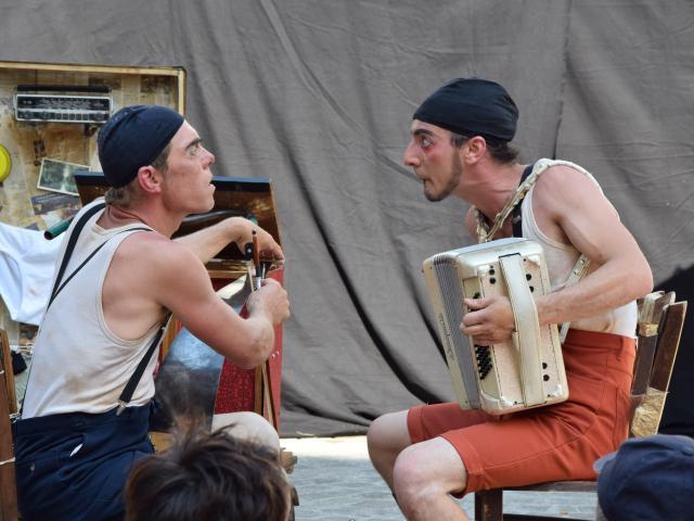 Bagnoles Orne Compagnie Isi Humour Festival Vendredi Ete (6)
