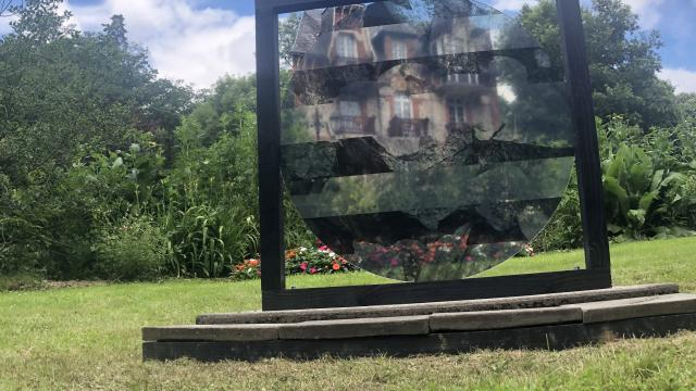 Bagnoles Orne Benoit Delomez Exposition Estivale Orne Contemporain Villa Belle Epoque Verre Oeuvre2